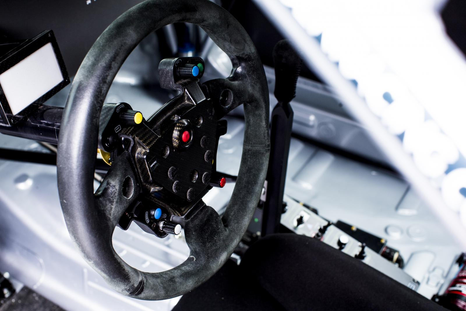 C-Elysée WTCC steering wheel